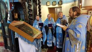 Освящение иконы епископом Митрофаном